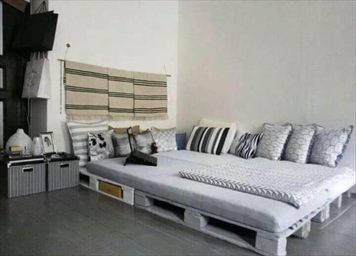 white painted pallet bed with storage for shabby chic and modern ...