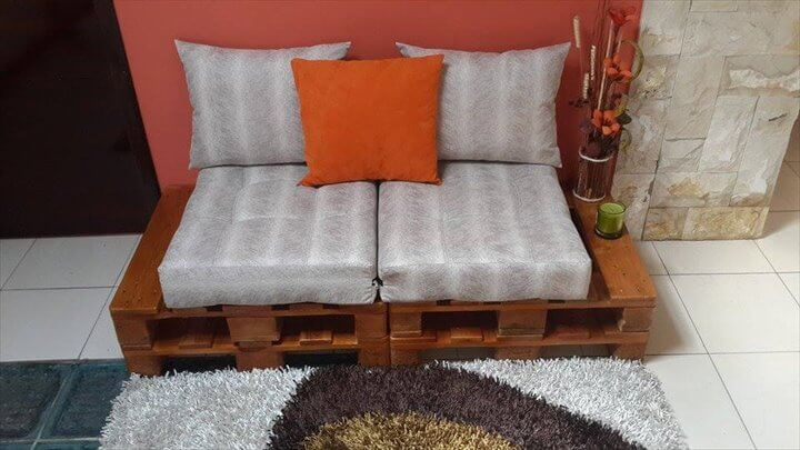 Reclaimed Pallet Sofa Tutorial