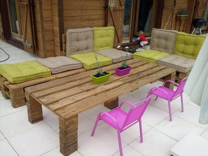 Pallet garden furniture for Palet jardin salon mesa