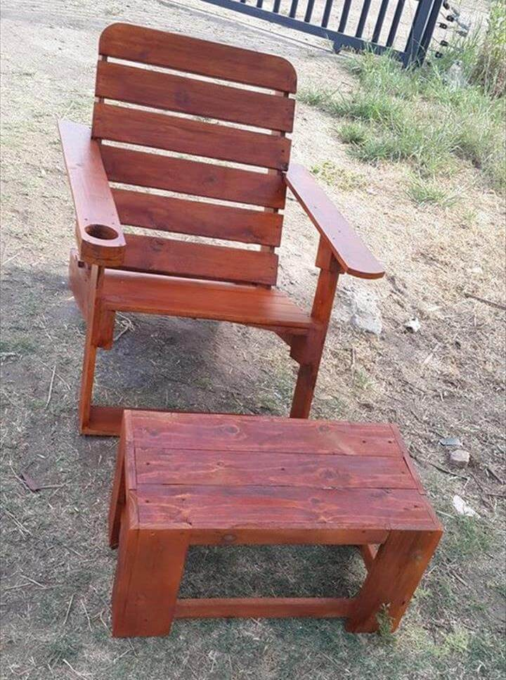 Pallet Adirondack Chair and Small Table – Pallet Adirondack Chairs