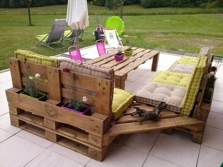 Pallet garden furniture for Table jardin palette