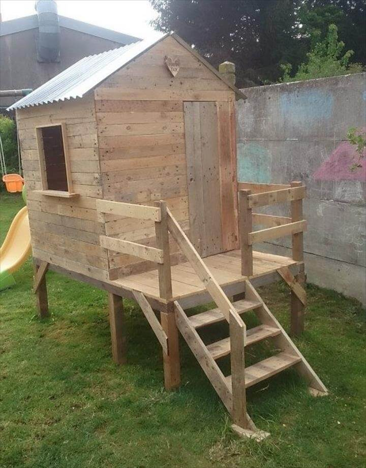 Pallet playhouse for kids friendly backyard How to build outdoor playhouse