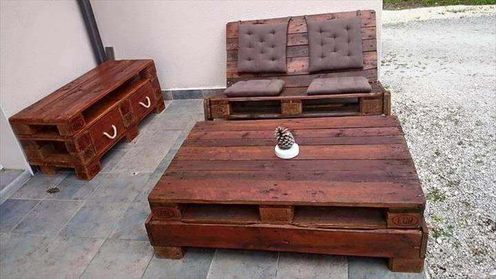 repurposed pallet outdoor patio furniture