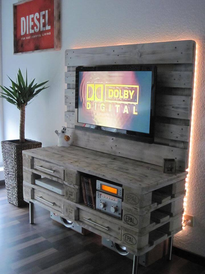 recycled pallet media console and ladies dresser table