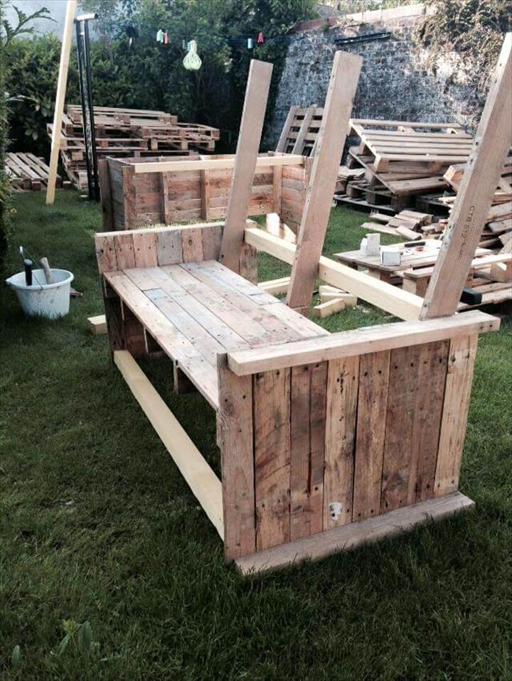 making of pallet bench