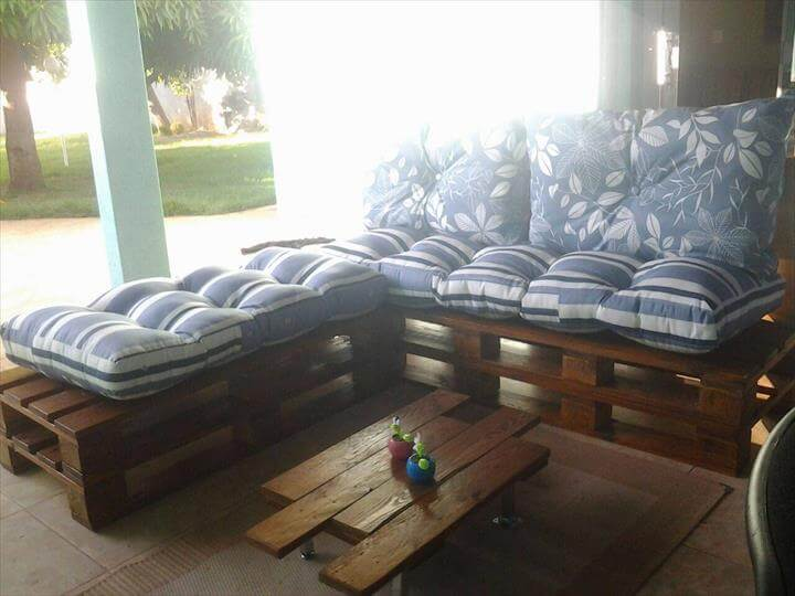 handmade wood pallet sofa with cushion
