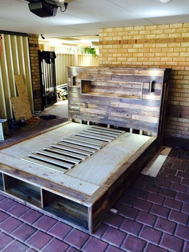 Diy pallet bed with headboard and lights for Pallet bed frame with lights