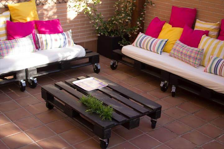 upcycled whole pallet rolling seats and sofa with cushion