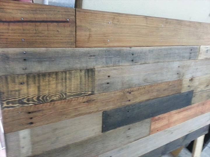 Wooden king size bed designs pictures - Planks To Shape Up This Rustic Accent Pieces For Your Bed Frame