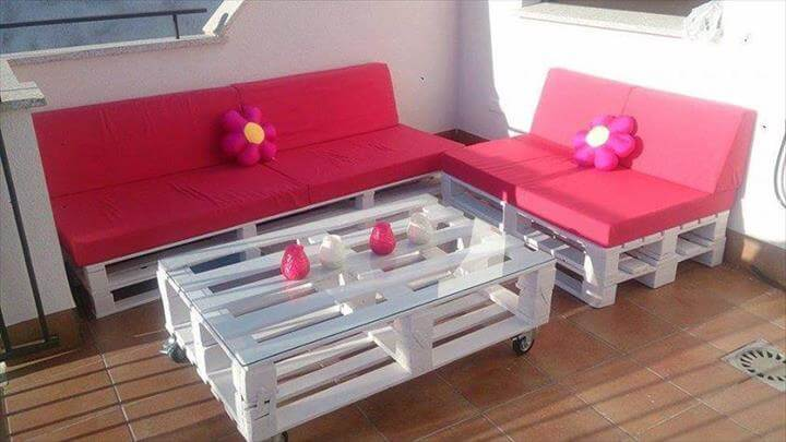 Shabby chic white pallet patio furniture set, built at zero-cost and ...