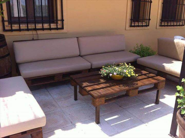 diy whole pallet open courtyard sofa and chairs