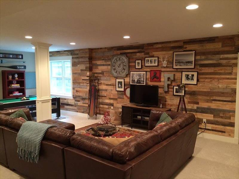 Recycled Pallet Interior Living Room Wall Remodeling. Pallet Wood Wall