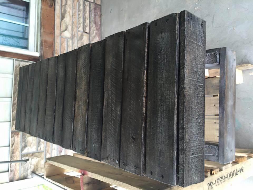 DIY Rustic Pallet Bench