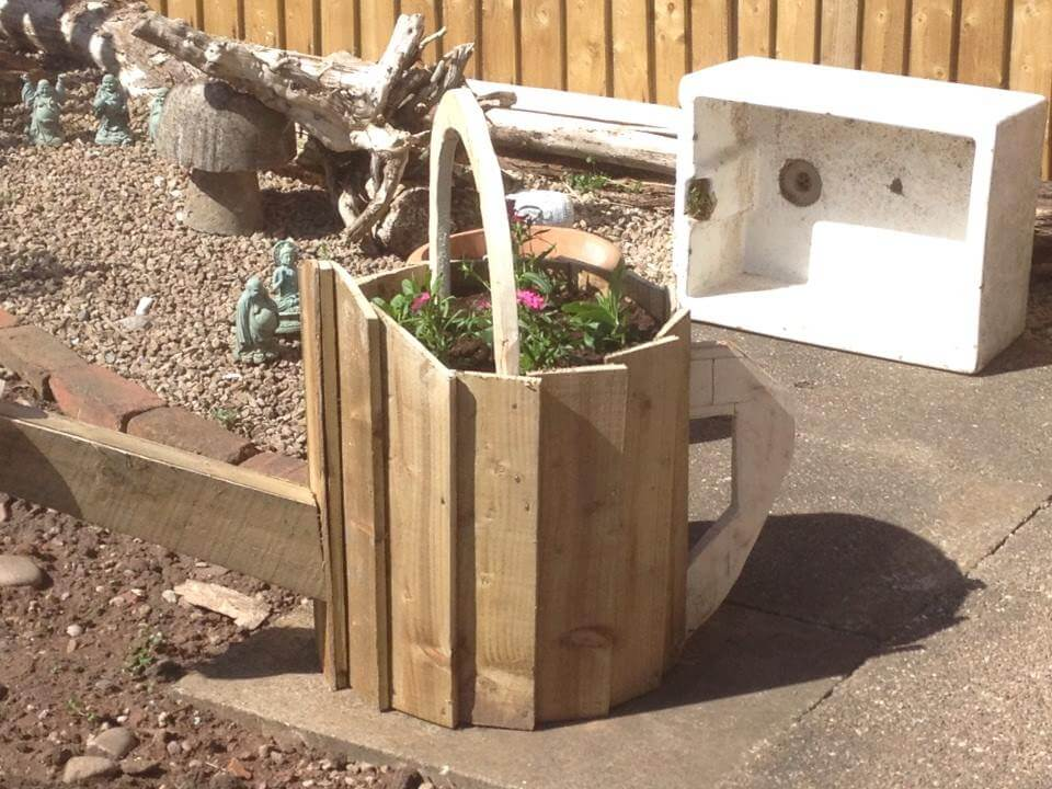 Wooden Pallet Watering Can Planter for Garden