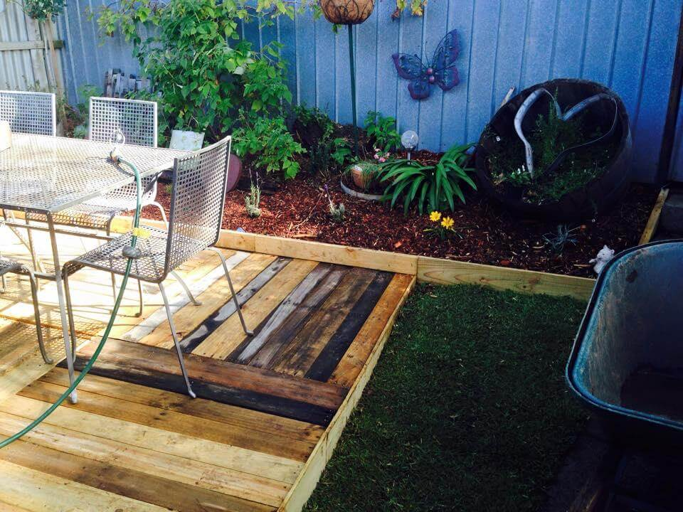 Easy to build: Pallet sofas for your Deck: