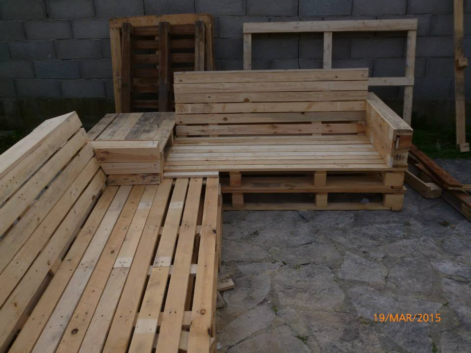 repurposed pallet garden sectional patio set