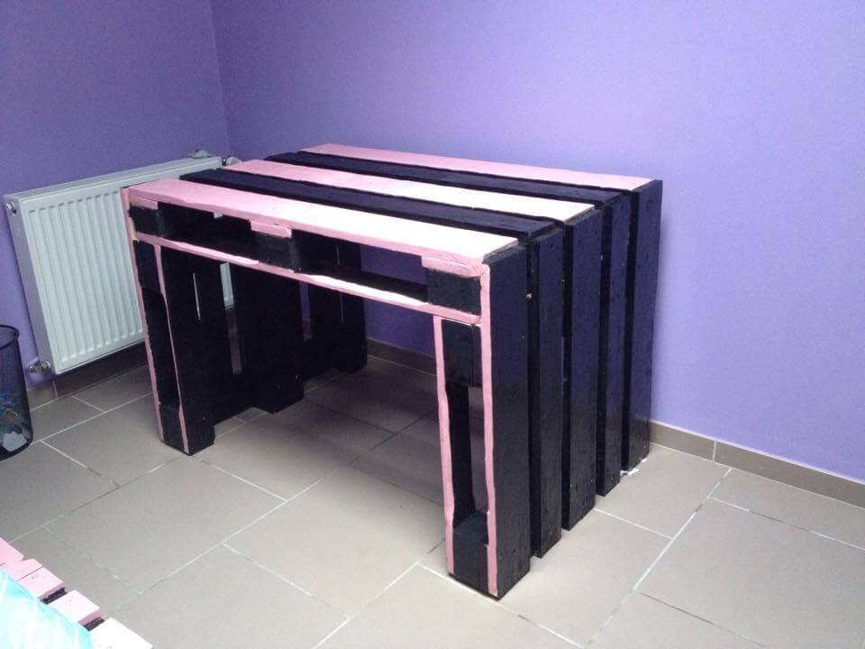 upcycled pallet black and pink table