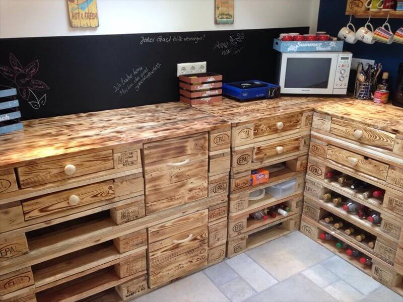 Creative uses for old pallets diy for Kitchen ideas using pallets