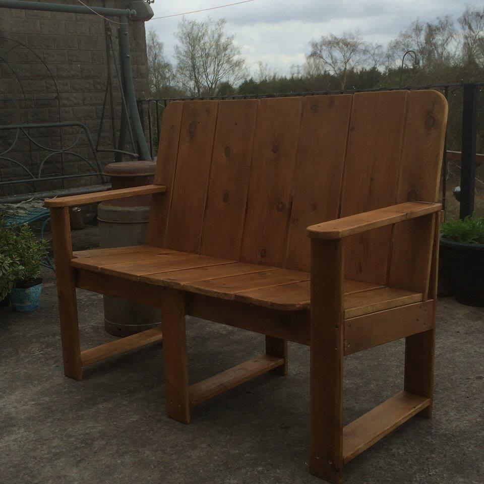Rustic Pallet Outdoor Bench