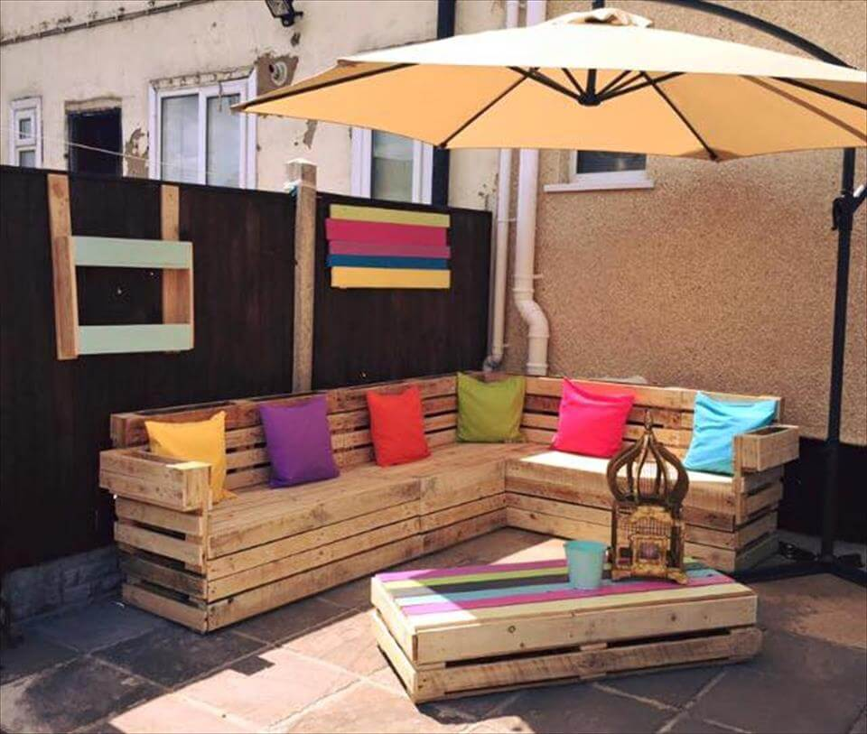Spectacular pallet patio furniture ideas for Picture of furniture designs