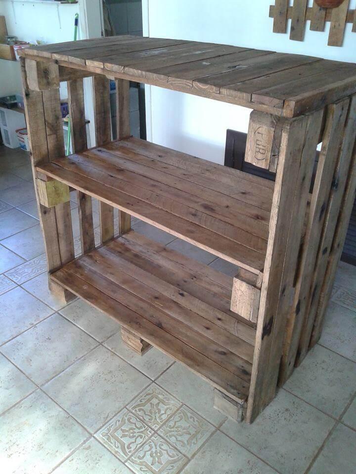 repurposed pallet bookcase
