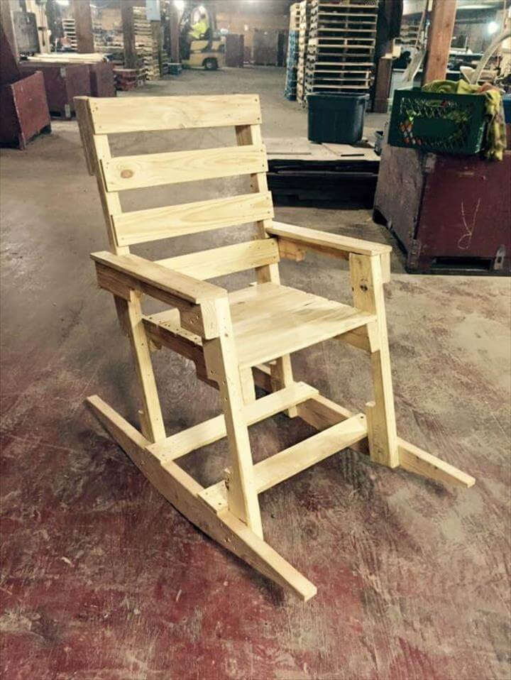 14 Creative Pallet Furniture Ideas