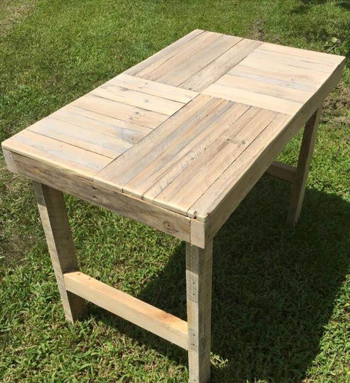 Pallet Coffee Table With Square Pattern