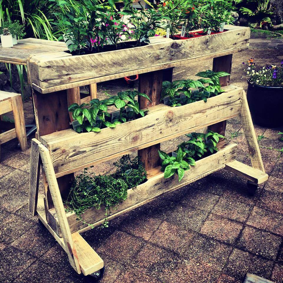 Diy Fence 25 Inspiring Diy Pallet Planter Ideas