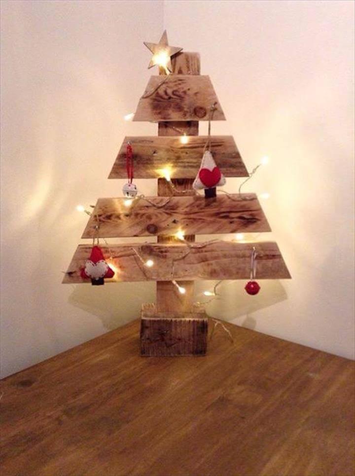 wooden pallet decorative tree