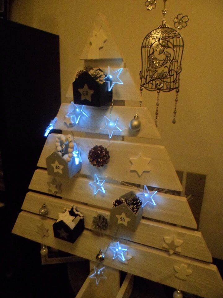 wooden pallet white painted tree with lighted stars