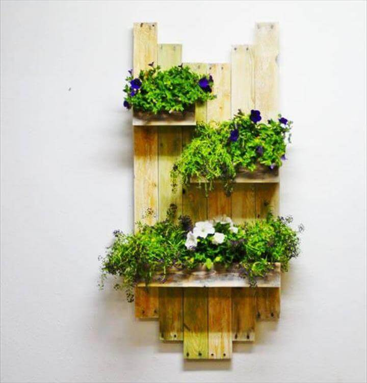 Wall Hanging Planter 25 inspiring diy pallet planter ideas