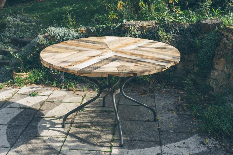 handmade wooden pallet round top table