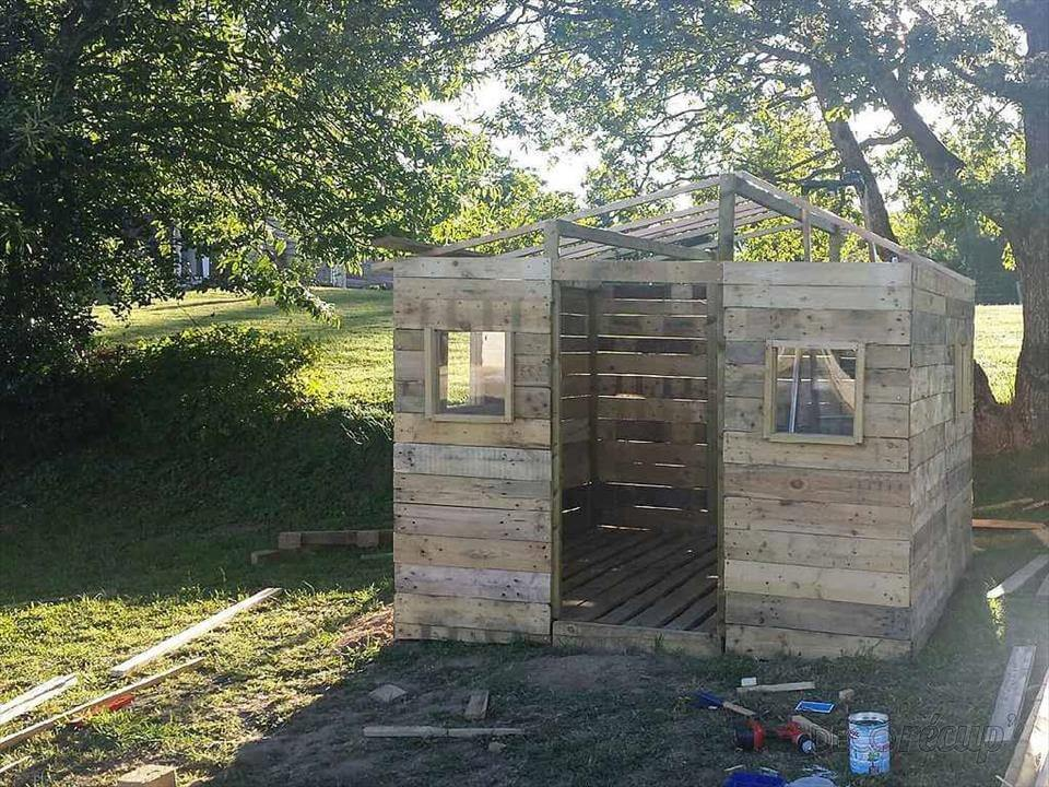 Build A Tiny House With Pallets