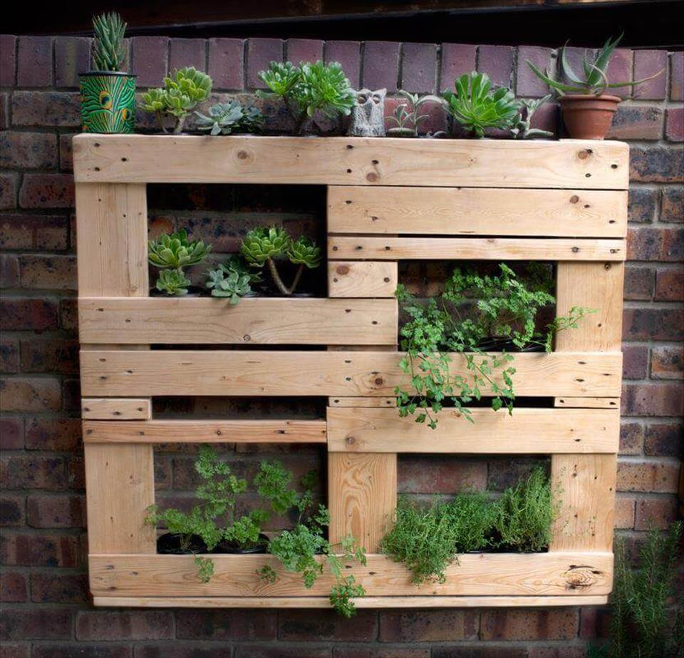 25 inspiring diy pallet planter ideas. Black Bedroom Furniture Sets. Home Design Ideas
