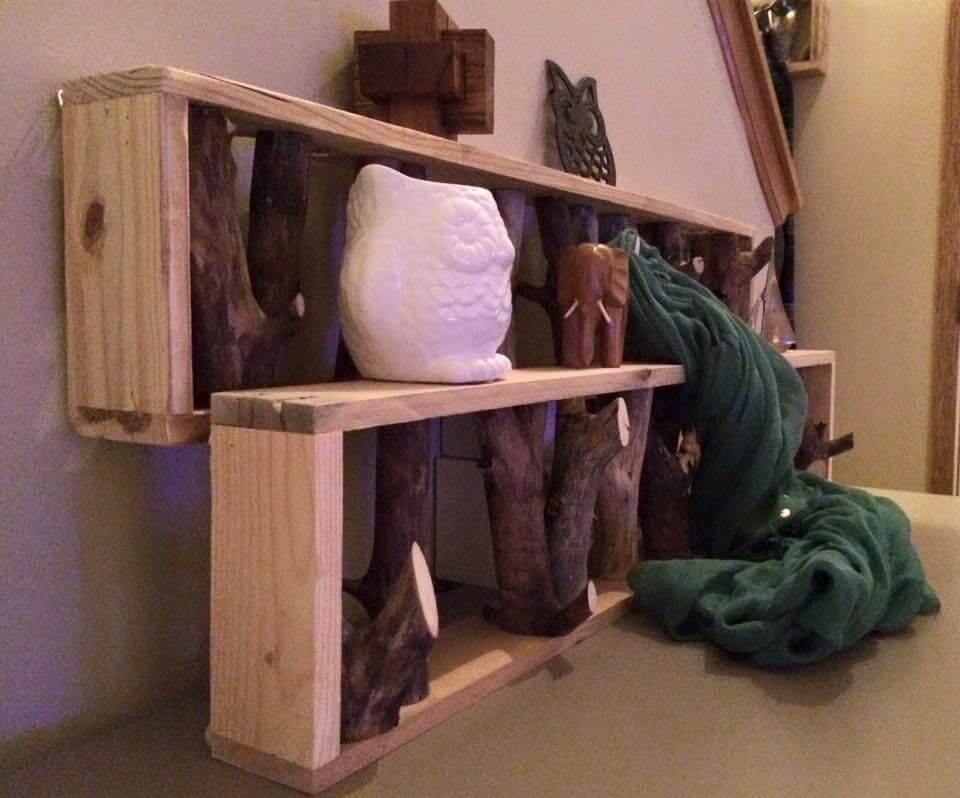 diy pallet shelf and tree branch coat rack. Black Bedroom Furniture Sets. Home Design Ideas