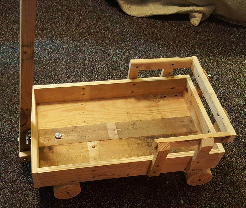 Pallets Wood Toy Scrap Wagon for Kids - 101 Pallet Ideas