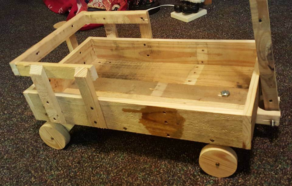Pallets Wood Toy Scrap Wagon for Kids