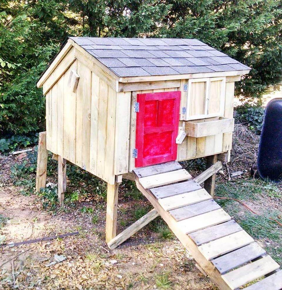 125 awesome diy pallet furniture ideas Chicken coop from pallet wood