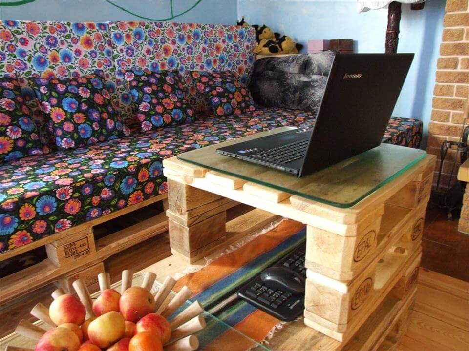 no-cost wooden pallet corner sofa