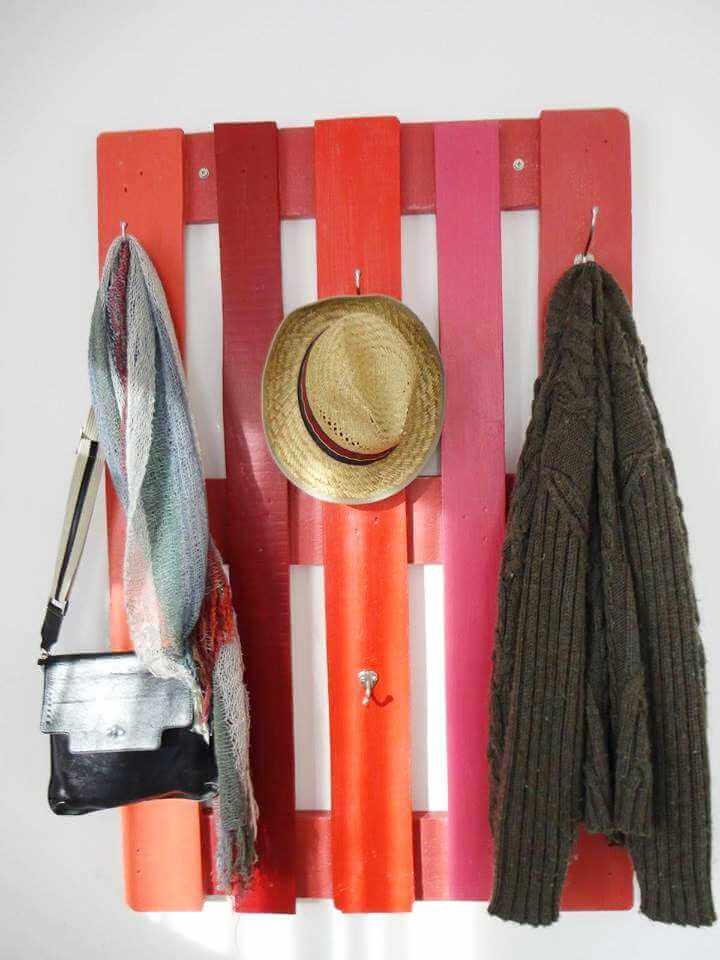 wooden pallet hallway coat hanger