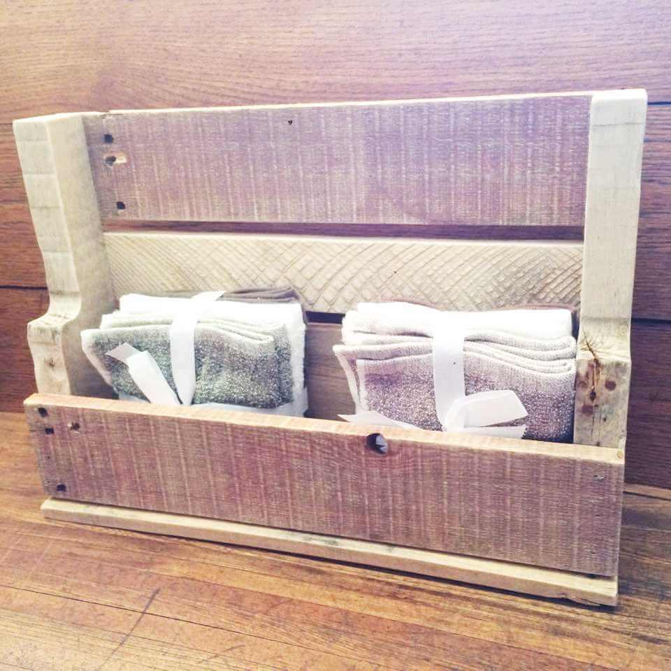 wooden pallet towel rack