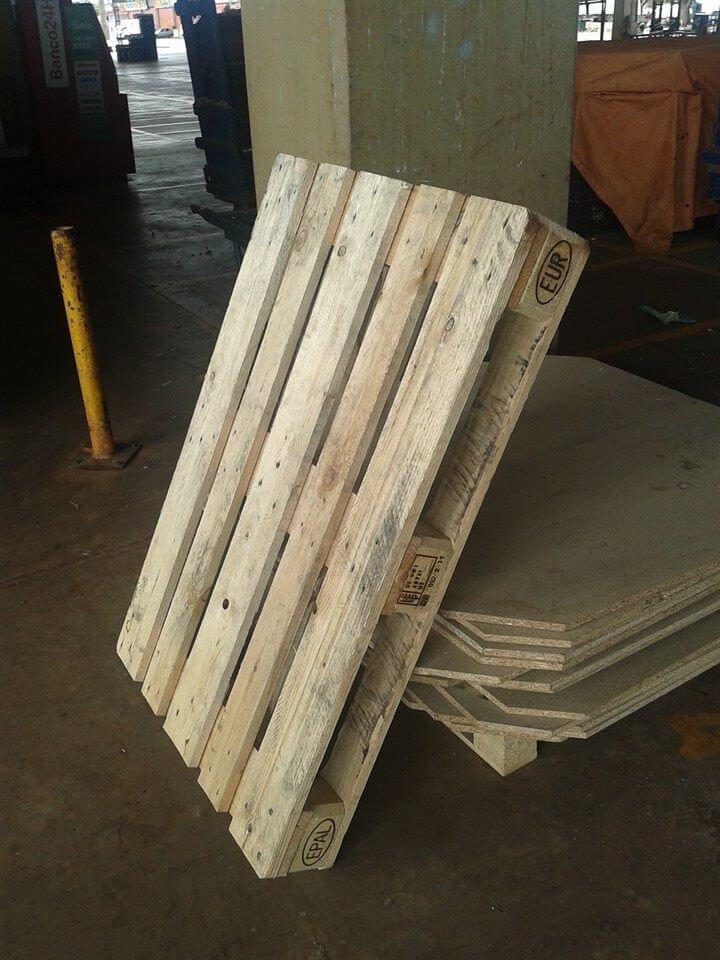raw pallet wood