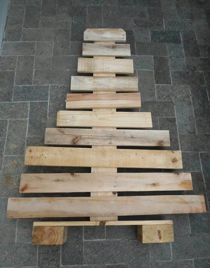 rustic pallet wooden tree decor
