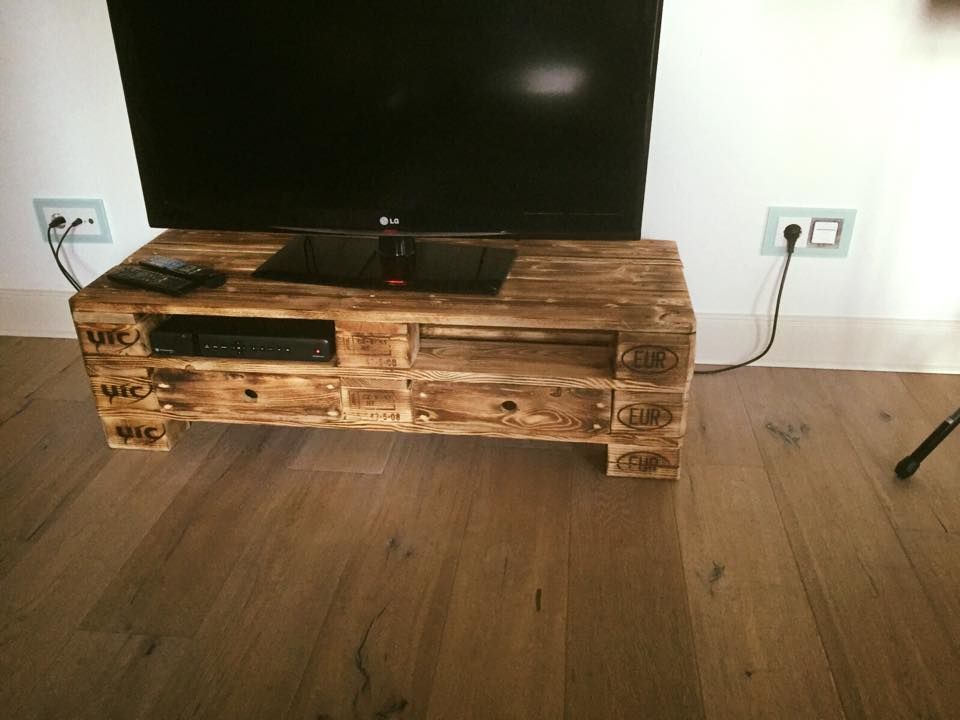 2 EPAL Pallet TV Stand With Drawers