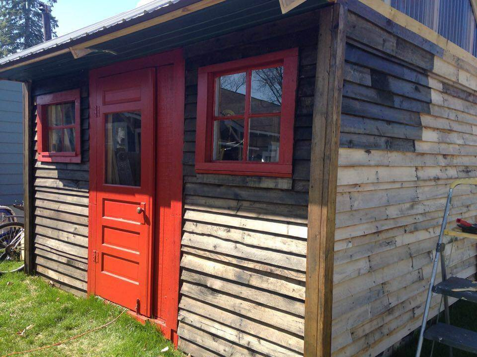 Make Your Own Pallet Shed Or Pallet Cabin 101 Pallet Ideas