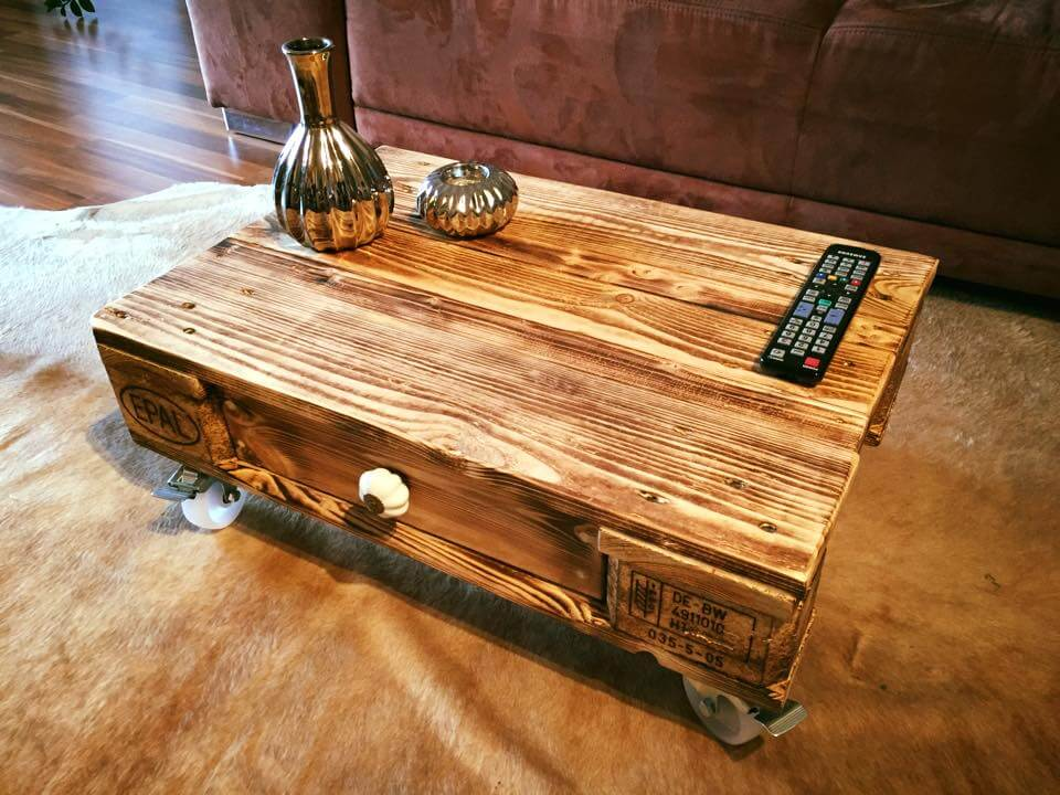 Pallet coffee table with one drawer for Rustikaler wohnzimmertisch