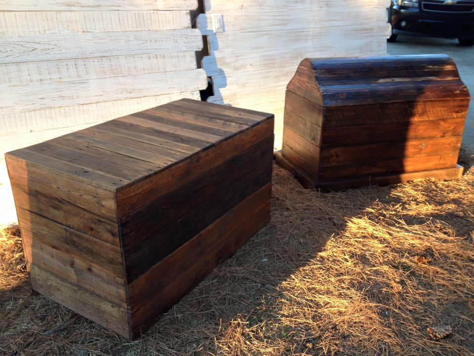 recycled pallet headboard and chests set