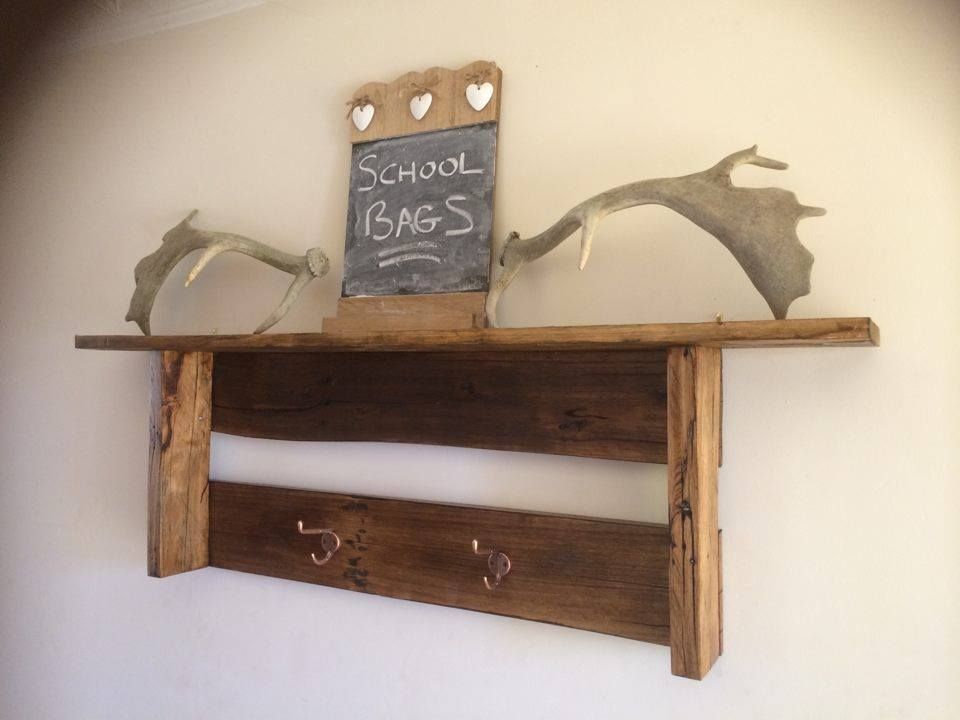 dual functional pallet shelf with hooks