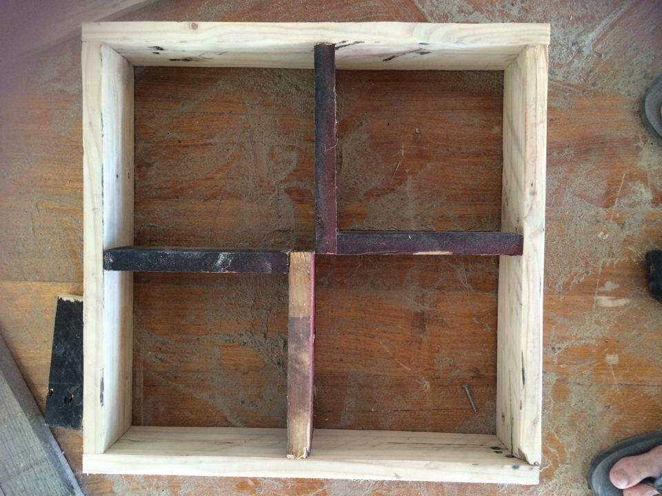 Diy Decorative Pallet Shelf Unit