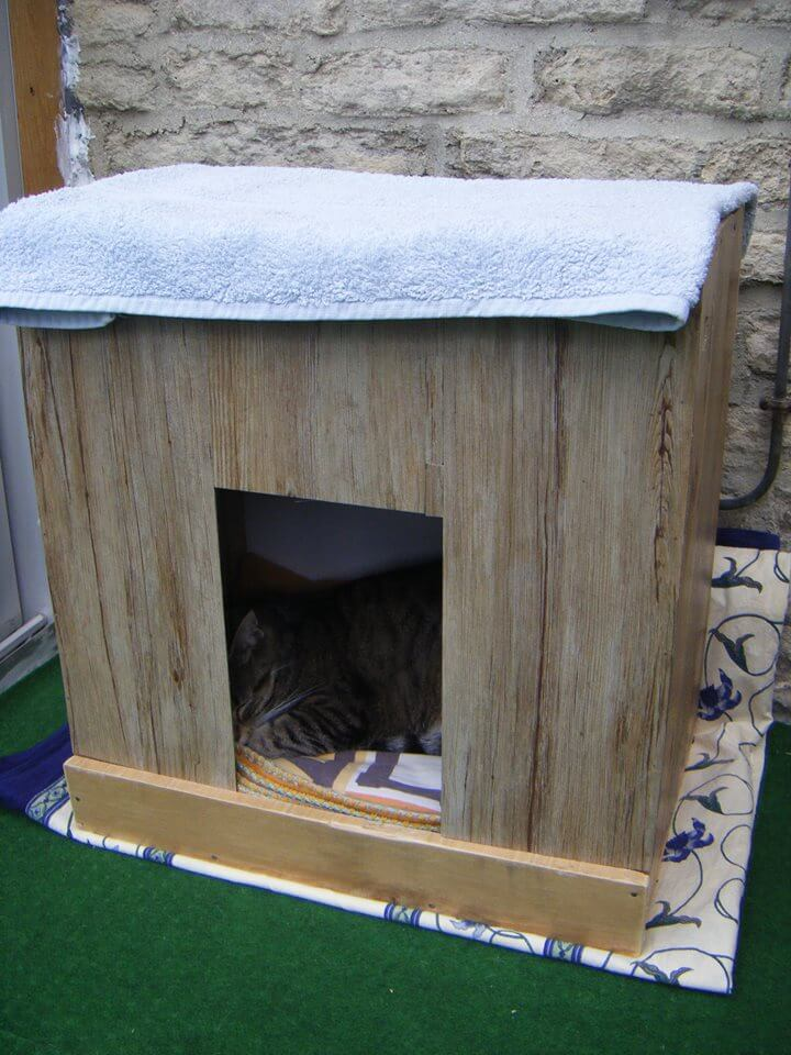 wooden pallet cat house